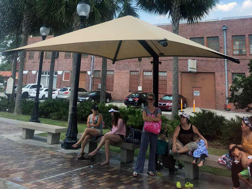 Freestanding sun shade and weather protection