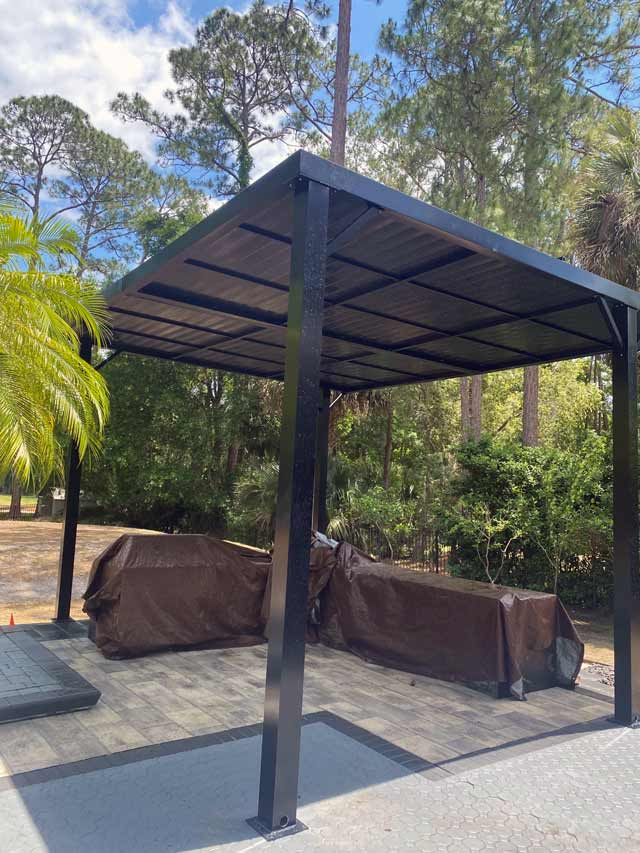 Outdoor kitchen sun and weather protection